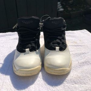 Used kids sneakers Air Jordan RETRO